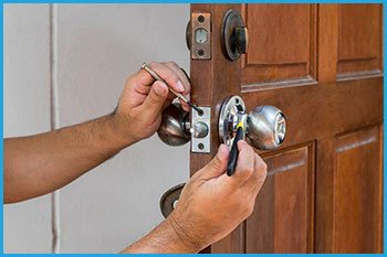 Lock Locksmith Services Lithonia, GA 770-679-6326